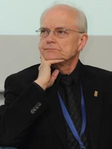 Dr n med. Janusz Meder